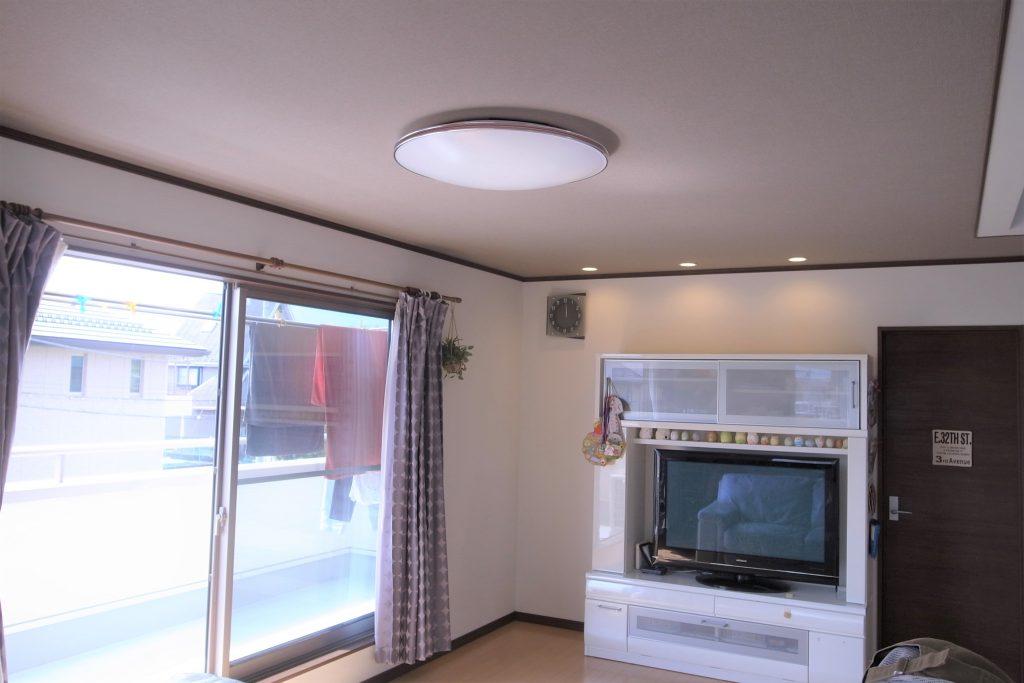 内装天井のクロス貼り替えリフォーム工事